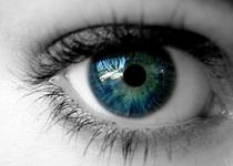 视网膜脱落引发失明 手术治疗恢复光明